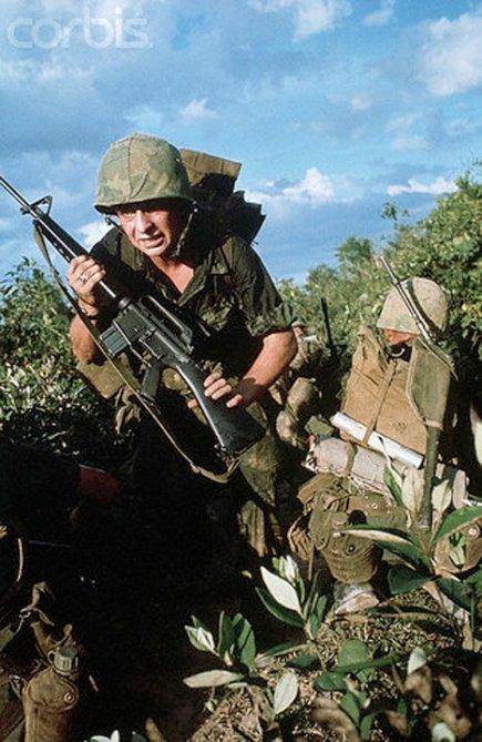 LA OFENSIVA DEL TET 11 MAYO 12 HORAS 2 CAMPOS GEDAT TALAVERA Guerra-de-vietnam-2
