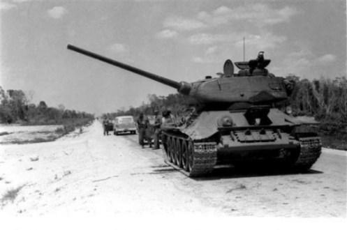 tanque-hacia-playa-giron-580x387