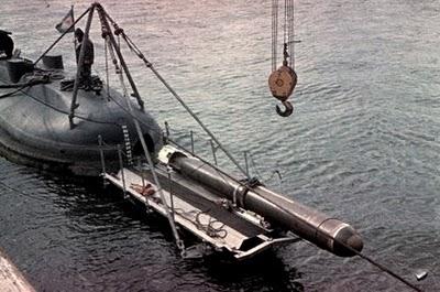 Carga de torpedos