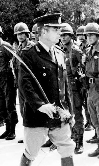 menéndez 1975