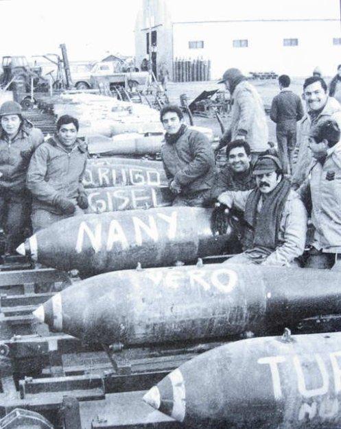 Bombas en la guerra de malvinas 215607_204876592868744_8091876_n