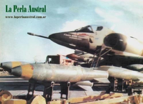 Bombas en la guerra de malvinas A4c2