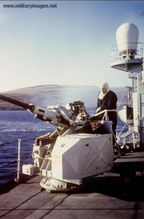 Falklands_War_HMS_Broadsword_Bofors_crew_San_Carlos_water_May_1982
