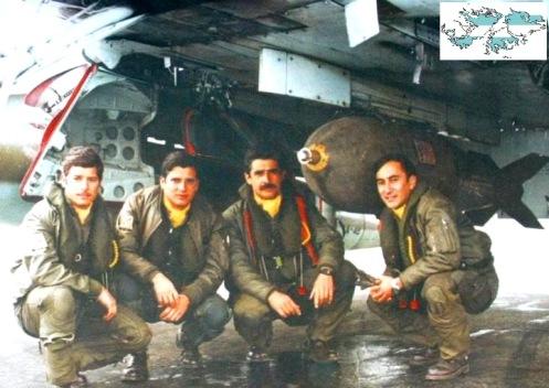 Bombas en la guerra de malvinas Halcones-en-malvinas-1982