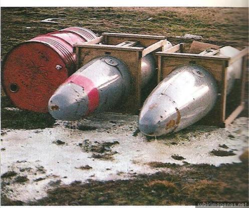 Bombas en la guerra de malvinas Napalm-inc-220-malvnas-1982-pradera-del-ganso