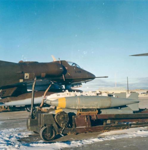 Bombas en la guerra de malvinas 65152_385936361496520_123771450_n