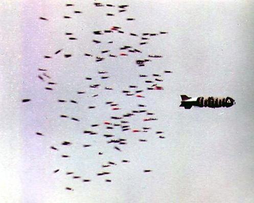 Bombas en la guerra de malvinas Bl-755_138