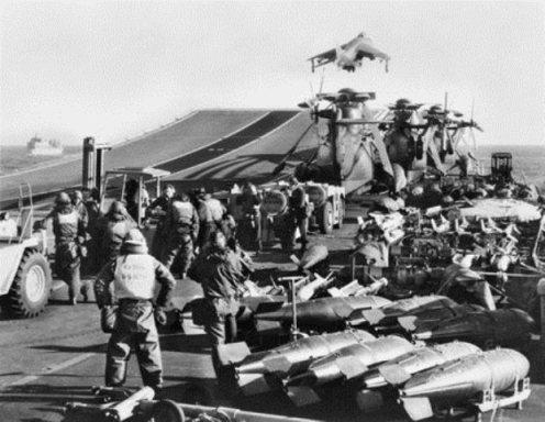 bombas de 1000lb sobre el hermes 1982.