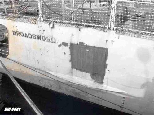 Bombas en la guerra de malvinas Fragata-broadsward