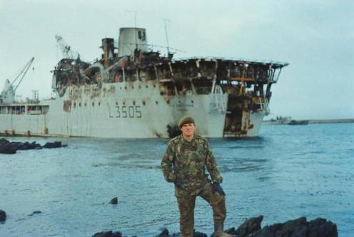 Bombas en la guerra de malvinas Sir-tristram-l3505-malvinas