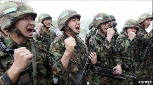 _47926281_soldiers_slogans_reu