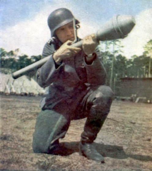 Panzerfaust-30-And-30-Klein-1