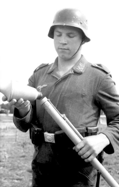 Panzerfaust-30-And-30-Klein-14