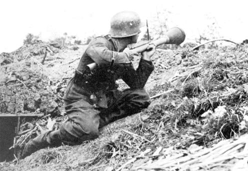 Panzerfaust-30-And-30-Klein-3