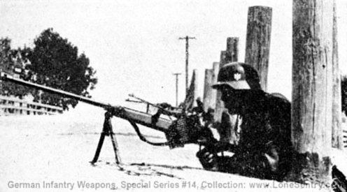 23-pzb-39-antitank-rifle-in-position