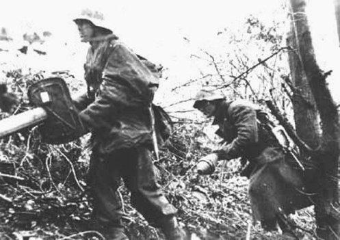 Ofensiva de las Ardenas, en Diciembre de 1944. portando un panzercheck