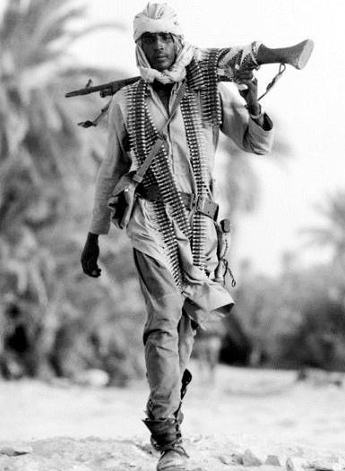 soldado chadiano FN MAG .h.