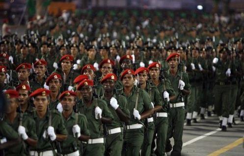 soldados libios desfile