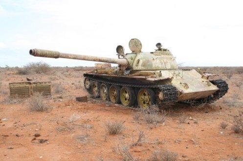 tanque libio en el desierto