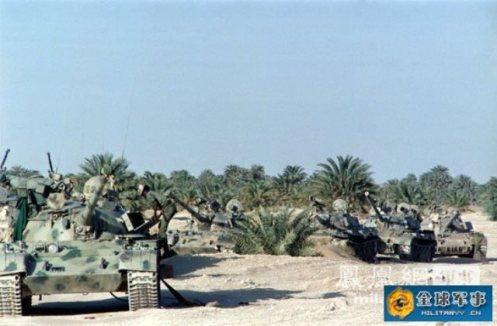 tanques libios abandonados en Chad (3)
