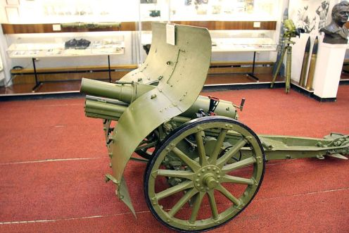 800px-76-mm_mountain_cannon_model_1909_Schneider_system_2