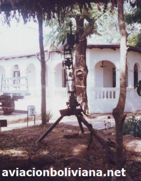 Ametralladora Vickers con montaje AA, queda uno en el museo de Villamontes, posiblemente otros en almacenamiento