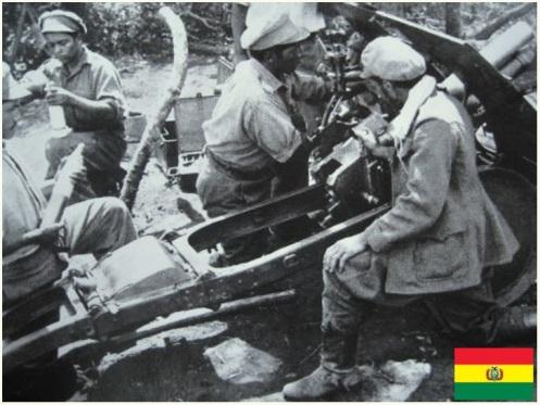 Guerra del Chaco-artilleros bolivianos-cañon vickers 65mm.--