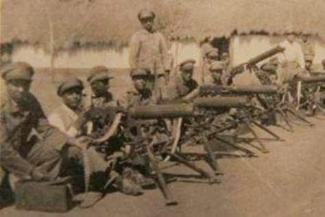 Soldados-bolivianos-frente-batalla_