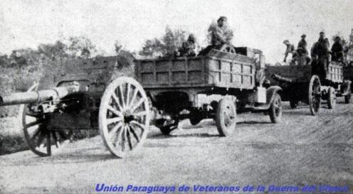 Guerra del Chaco-Convoy paraguayo transporta cañones de 105mm s5