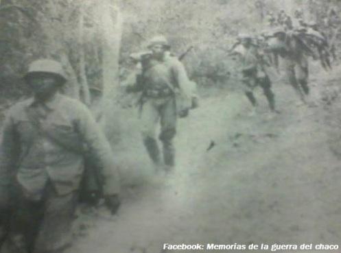 Tropas paraguayas marchando hacia Pampa Grande f