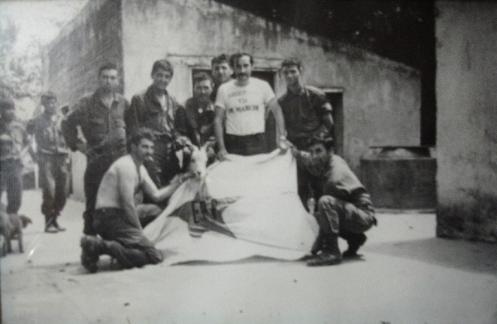 Bandera del ERP capturada en combate en el Monte Tucumano