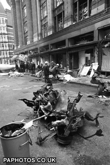 british-crime-terrorism-the-ira-harrods-car-bomb-london-1983