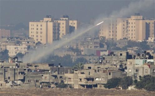 Cohete lanzado desde Gaza, desde zonas densamente pobladas
