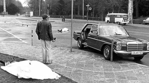 cuerpos cubiertos de Siegfried Buback