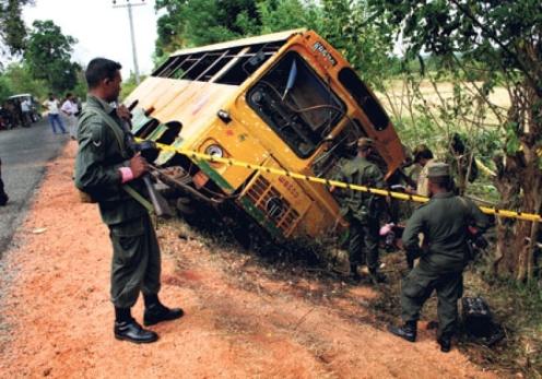 mina ataque tamil