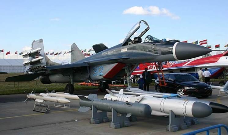 Resultado de imagen de mig 29 y  misiles J-38