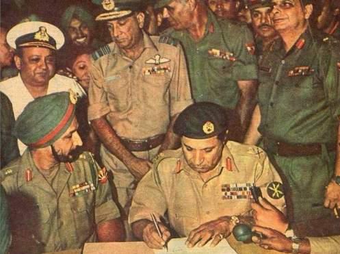 Pakistan_Surrender_1971_War