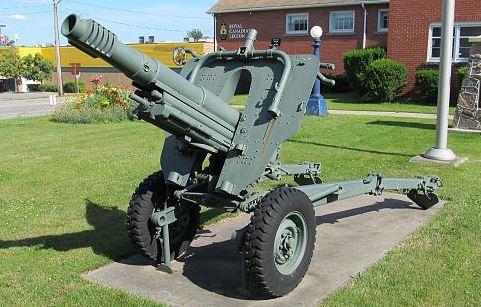 640px-105mm_M56_OTO_Melara_howitzer_Simcoe_Ontario_1