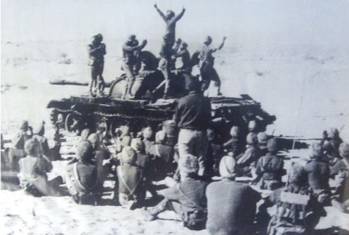 Bhangra-atop-a-Pak-tank-at-Laungewala-71