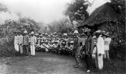 Filipino_soldiers_outside_Manila_1899