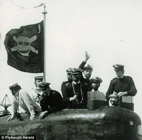 hms conqueror flag skull