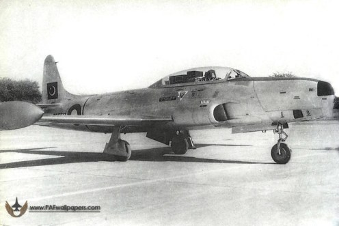 RT-33-No2Sqn