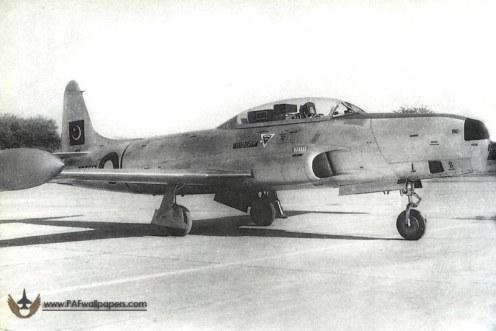 RT-33-No2Sqn