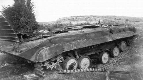 armenio BMP Chldran cerca del pueblo, 1992 - copia