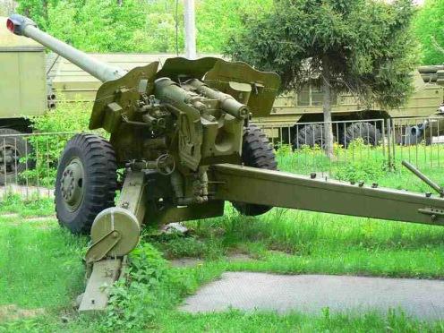 d74_122 mm _field_gun_arriere_gauche1