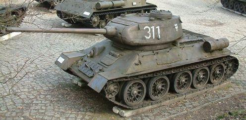 800px-T-34-85_góra_RB