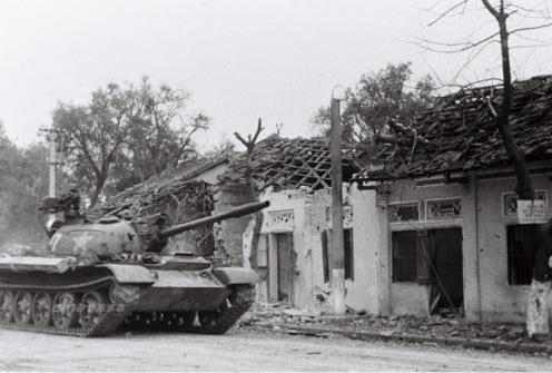 En la foto nuestros tanques a Lang Son. Fotografía  Li Yongan f