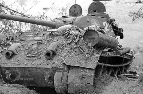 tanque T-34destruido. Fotografía  Li Yongan