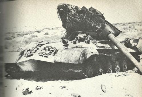 67-war-egyptian-tank-at-Rafa-Junction