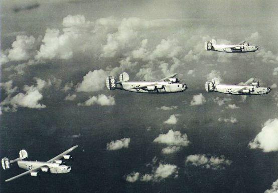 90th_Bomb_Group_B-24s_-_1943